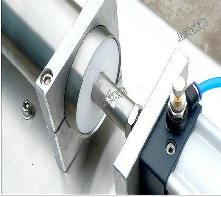 半自动小型灌装机